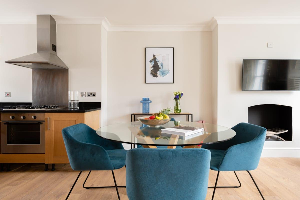 The Fulham Retreat - Bright & Spacious 2BDR with Balcony