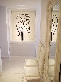 fresh and clean bathroom in Tour Eiffel - Suffren luxury apartment