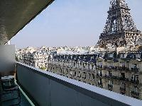 awesome view of the Eiffel Tower from the balcony of Tour Eiffel - Suffren luxury apartment