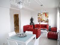 cool sitting area in Tour Eiffel - Suffren luxury apartment
