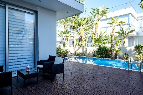 Luxurious 2 BR Villa with private Pool near the beach