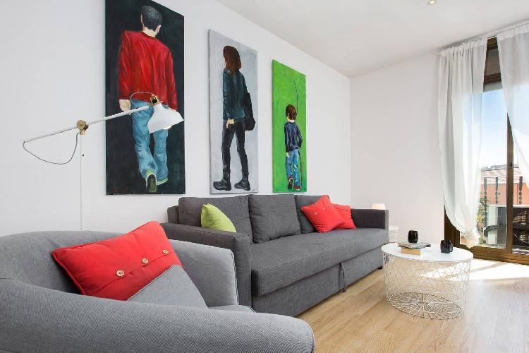 (CA72) BARCELONA   SPACIOUS FLAT IN THE CENTER FOR 10¤