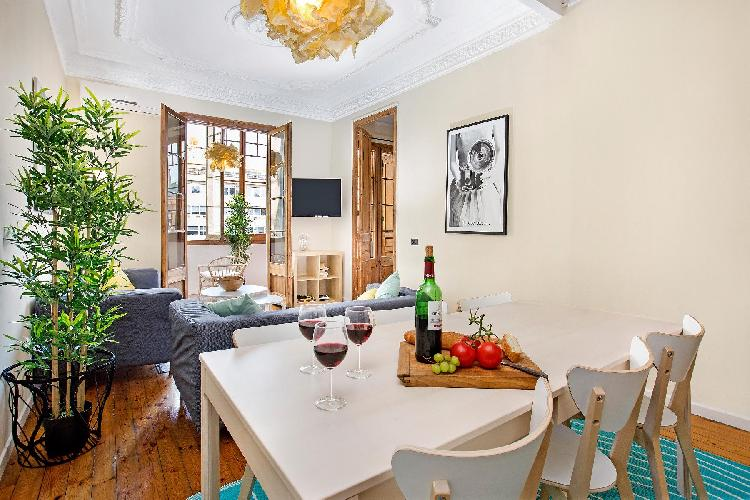 (AR364) BARCELONA | BIG APT IN THE HEART OF BCN FOR 8¤