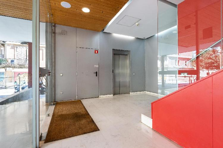 (DB65) BARCELONA | SPACIOUS FAMILY FLAT WITH PARKING