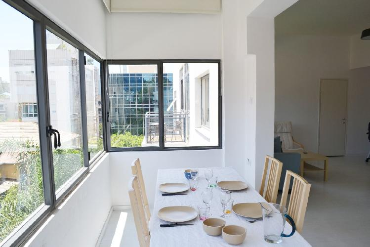 Appartement Jolie   Tel Aviv   Neve Tzedek   Engel St.   Minimal 1BR   #TL7