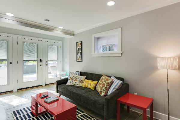Spacious 2 Bedrooms with 2 Bathrooms