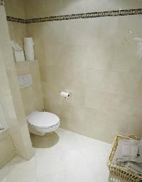 fresh and clean toilet in Passy - Paul Doumer luxury apartment