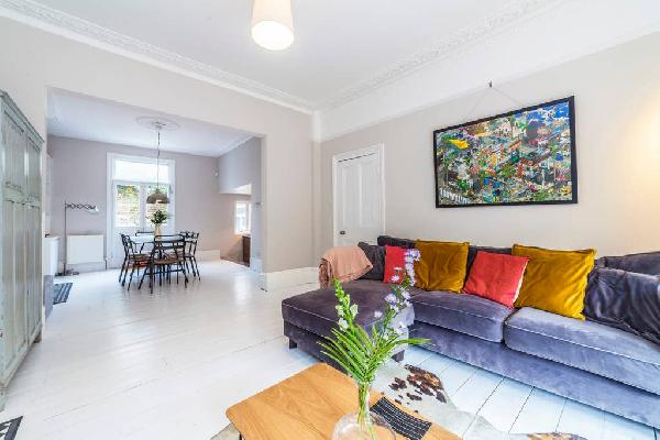 Bushey Hill · Spacious Refurbished Family House, Camberwell
