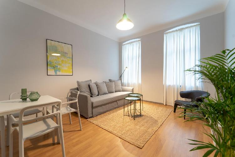 Modern and Spacious Apartment - CLOSE TO CENTER