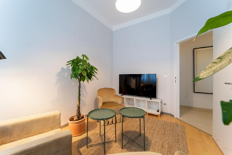 Beautiful and Sunny 2BDR Apartment