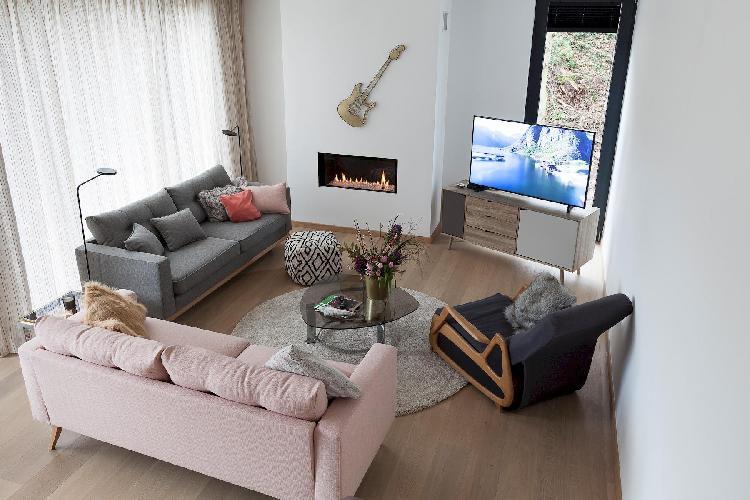 Unit 2 - Modern Smart Home Duplex with free Parking