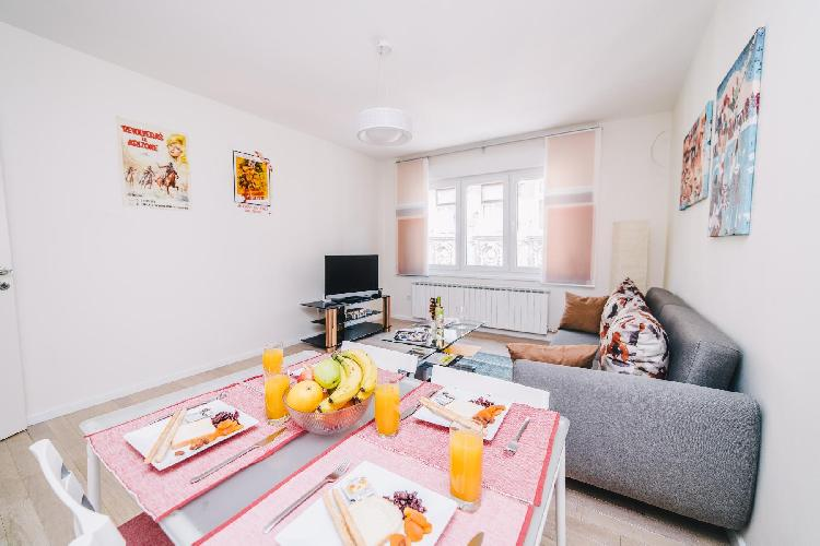 Modern apartment near Cathedral -BEST LOCATION