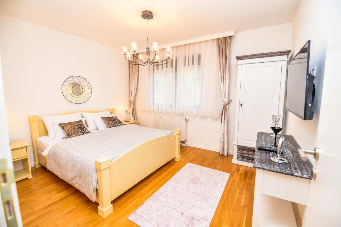 Modern 2BDR apartment-BEST VIEW- Free Parking