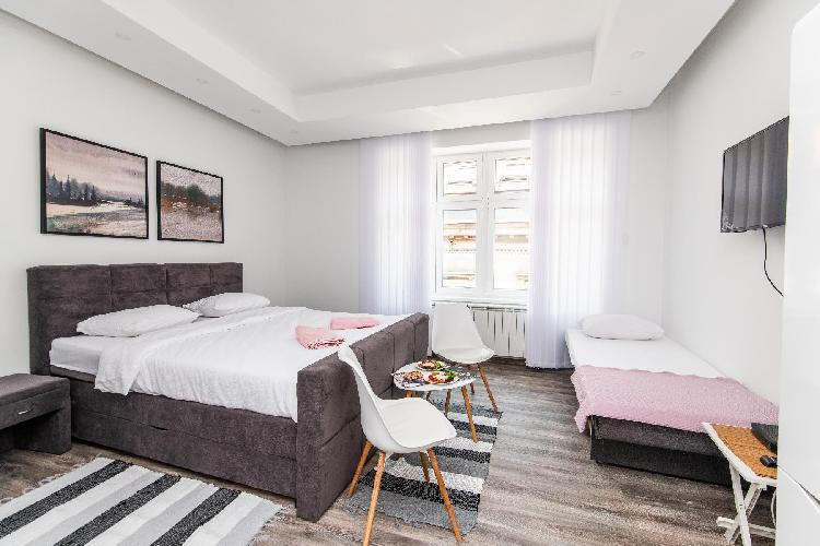 150sqm Apartment with 4 units! GREAT FOR GROUPS