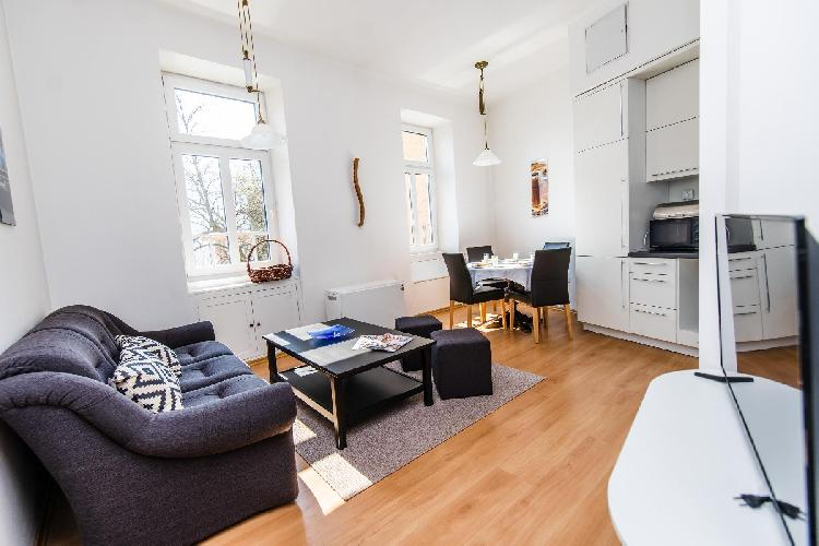 Bright and Modern Duplex in the City CENTER!