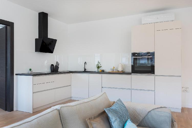 Design 2BDR Apartment near City Center