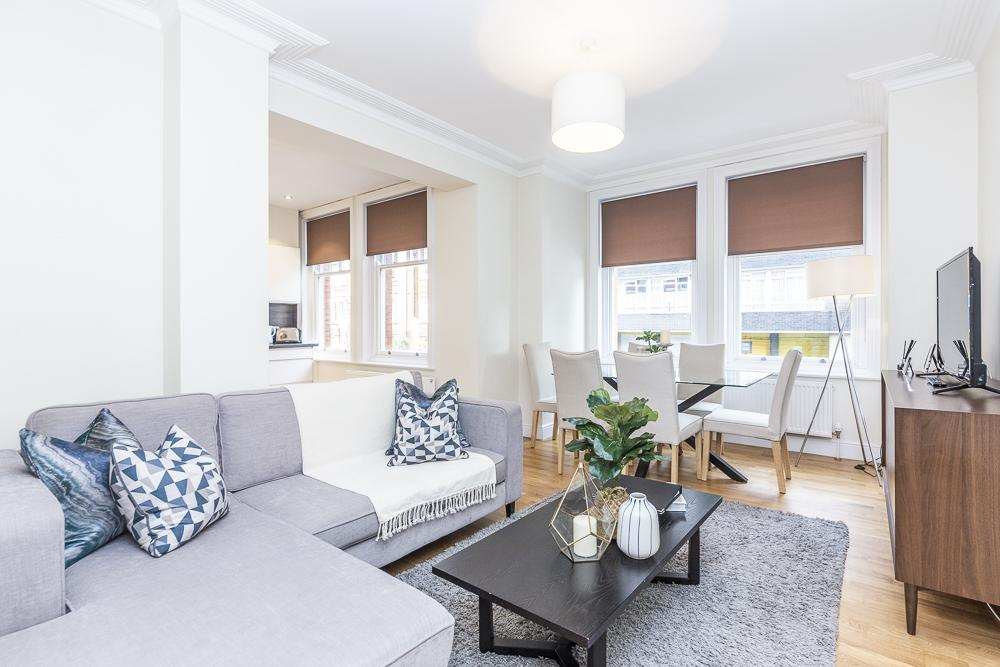 Modern Three Bedroom Apartment in Hammersmith