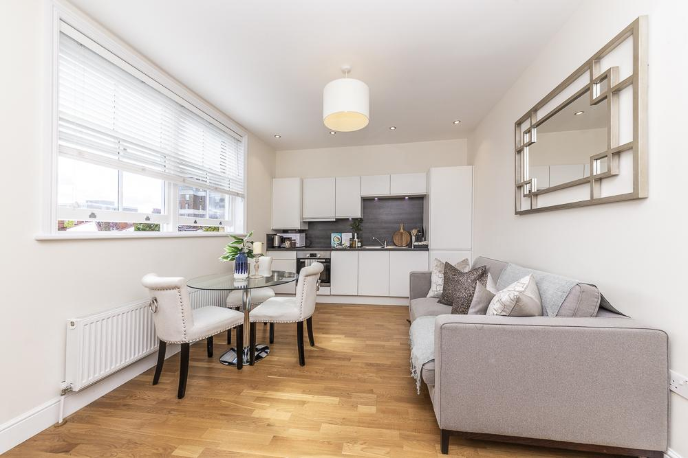 Luxury Two Bedroom Apartment in Hammersmith - 209A