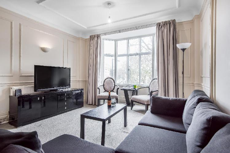 6 Bed Apartment Located Close to Regents Park