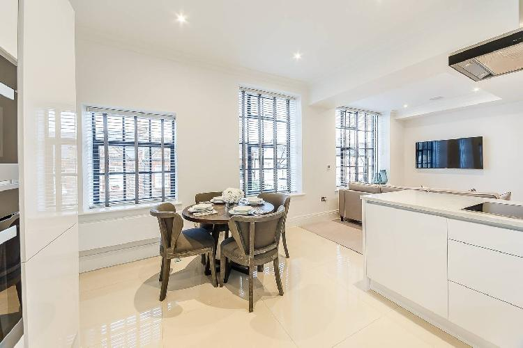 2 Bed Apartment 1st floor- Gated Riverside luxury