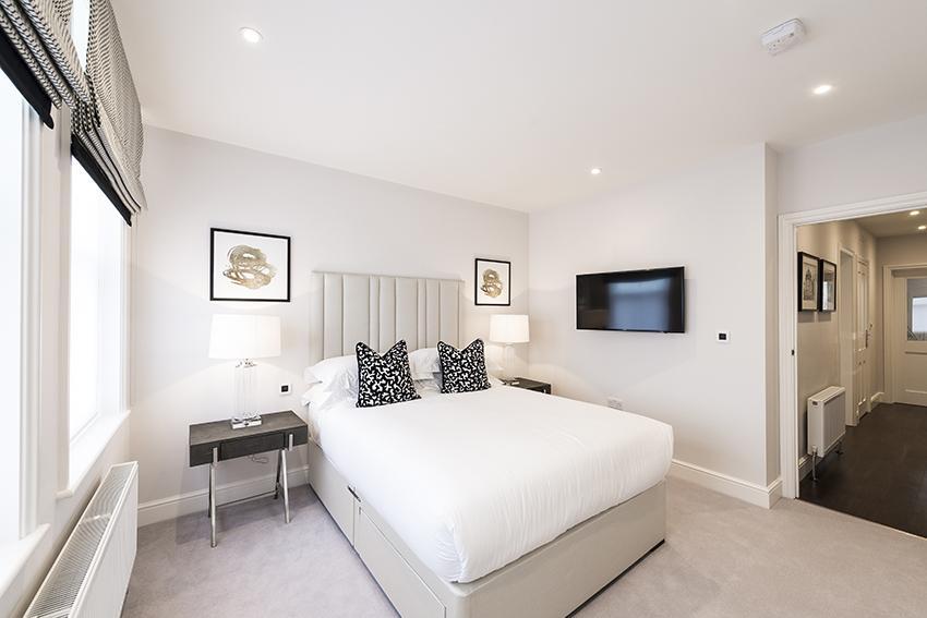 Luxury Three-Bedroom En-Suite Apartment in Hammersmith - Flat 138 (Second Floor)