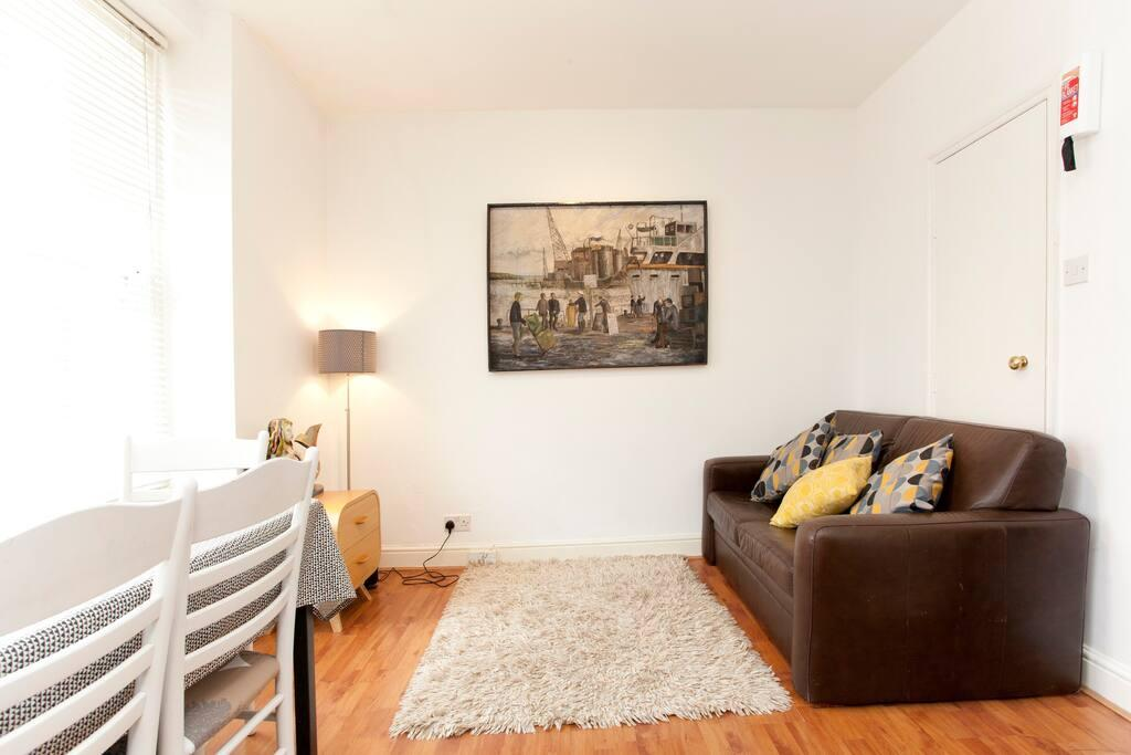 Essex Road · Comfortable, Chic Islington Pad