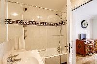 clean Saint Germain des Prés - Luxembourg Suite luxury apartment