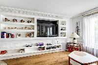 well-appointed Saint Germain des Prés - Luxembourg Suite luxury apartment