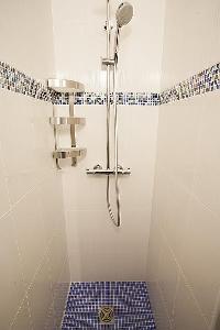 cool shower in Saint Germain des Prés - Luxembourg Suite luxury apartment
