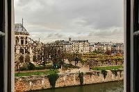 wonderful views of Notre Dame de Paris, rue des Grands Degrés, and the Seine River from a 3-bedroom