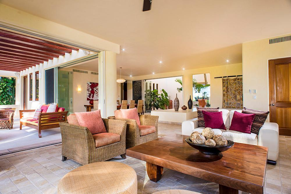 Grand Private Villa with Premier Mbshp (Golf & Beach) Luxury, Gourmet & Fun in Mita / Cook Included