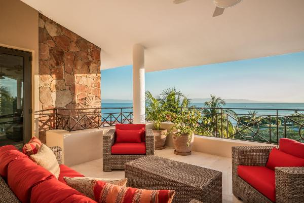 4 Beach Clubs! AVAILABLE Penthouse inside Punta Mita
