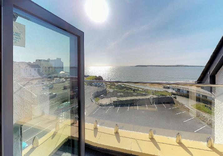 14 Waterstone House, Penthouse, Tenby