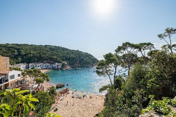 El Portió,  tu casa de ensueño junto a la playa.