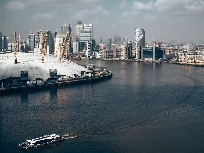1BFLATEE14 · O2 Arena / Wharf/Excel New Luxury Flat w/Parking