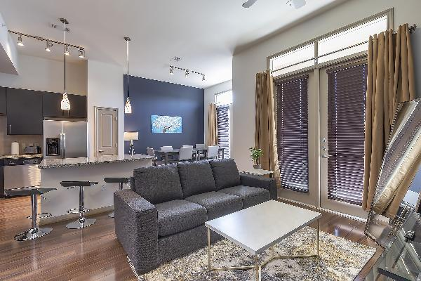 LUXURIOUS CALI KING BED MIDTOWN FULLY EQUIPPED CONDO - ?????