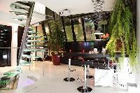 modern 3-bedroom Paris luxury apartment