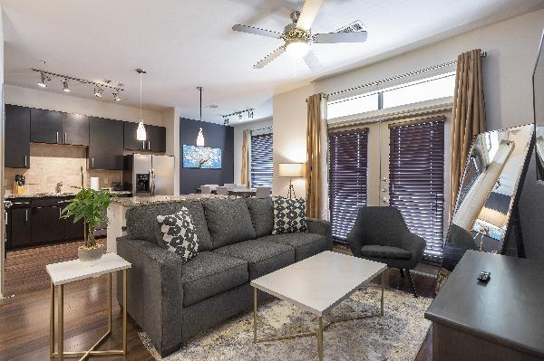 LUXURIOUS KING SIZED BED MIDTOWN FULLY EQUIPPED CONDO - ?????
