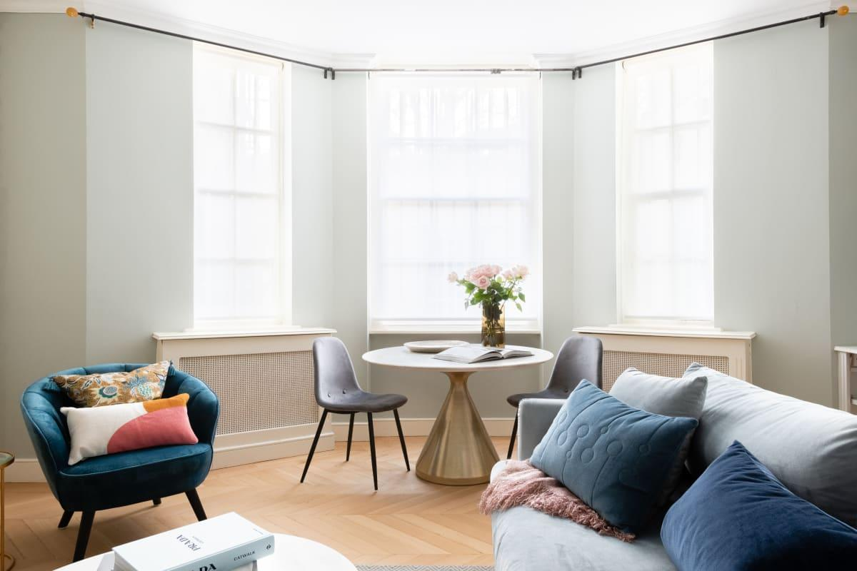 The Pimlico Gardens - Modern 3BDR with Patio & next to River Thames