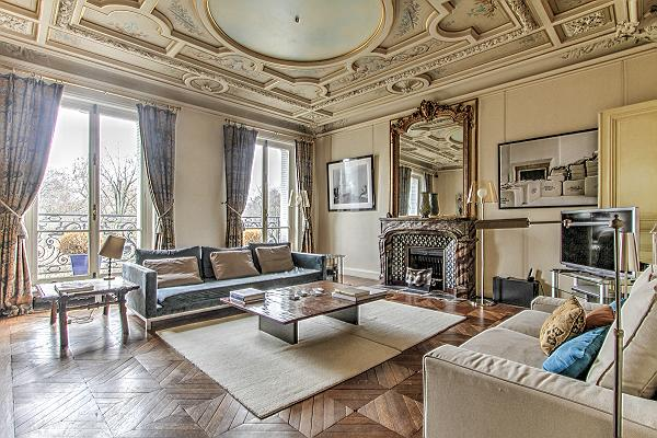 elegant Saint Germain des Prés - Luxembourg Guynemer luxury apartment and holiday home