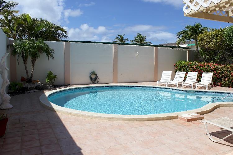 The Garden Villa located close to Boca Catalina Beach, Malmok