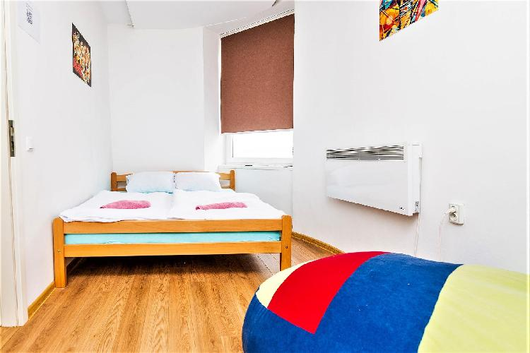 Studio in ARTISTIC guesthouse! MAIN STREET!
