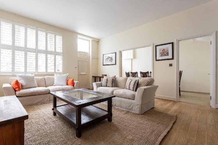 South Kensington - Cranley Mews V