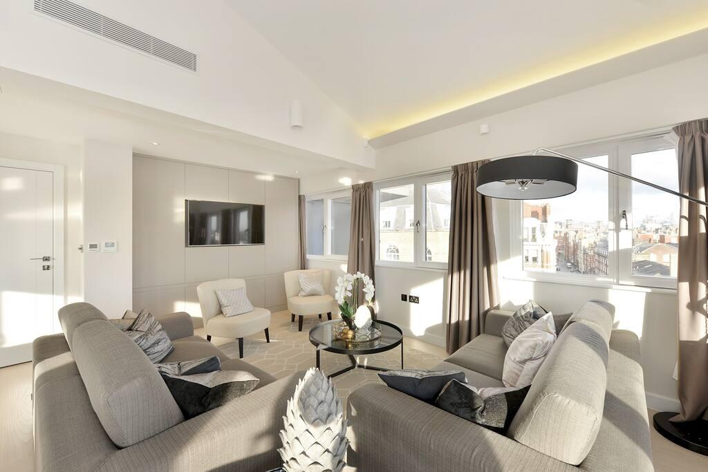 Beautiful Penthouse Apartment Victoria, London