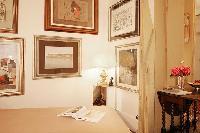 classic studio luxury apartment in Paris