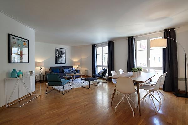 recently refurbished 2-bedroom Paris luxury apartment