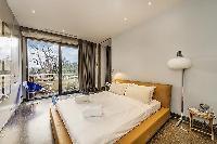 amazing bedroom with balcony at Tour Eiffel - Trocadero Albert de Mun