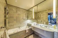 cool bathtub in Tour Eiffel - Trocadero Albert de Mun
