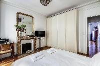 fresh and clean bedroom linens in Passy - Trocadero II luxury apartment