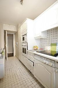 nice kitchen of Trocadero - Sablons luxury apartment